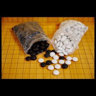 Solidne kamienie ceramiczne do gry w Go, dwustronnie wypukłe.jpg